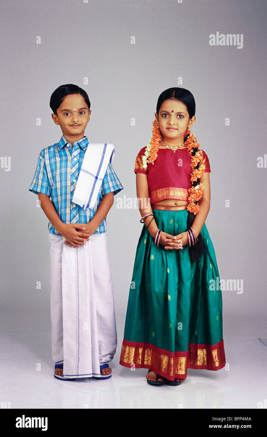 d62502f4c0 VDA 63665 Boy And Girl Dressed As South Indian Couple MR#502;503 Sc 1 St  Alamy