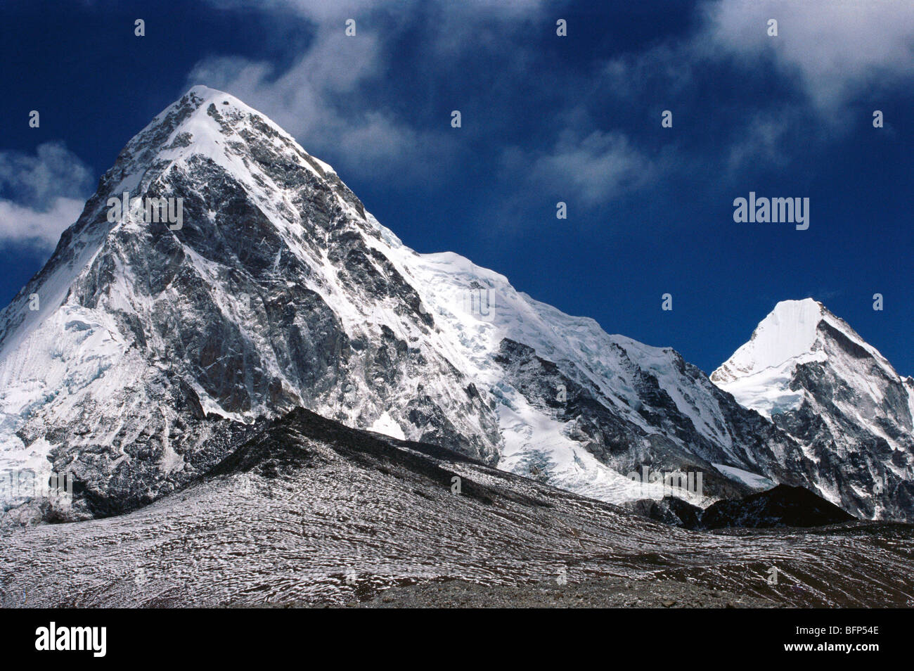 mount everest trek Kala pathar and Pumori peak Nepal - Stock Image