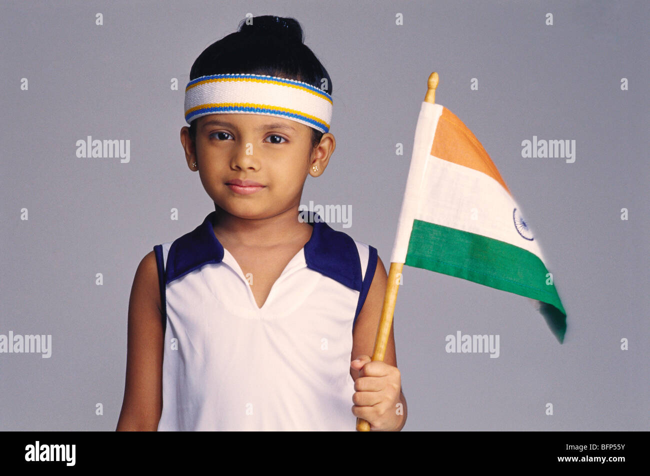 fc758f99b VDA 63767 : Girl dressed as tennis player holding flag of India MR#500 -