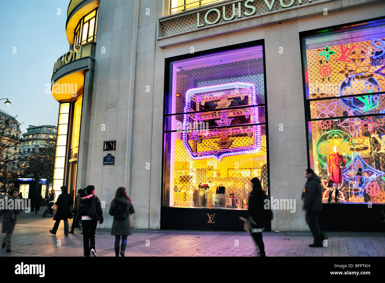 Baby clothing stores in paris france