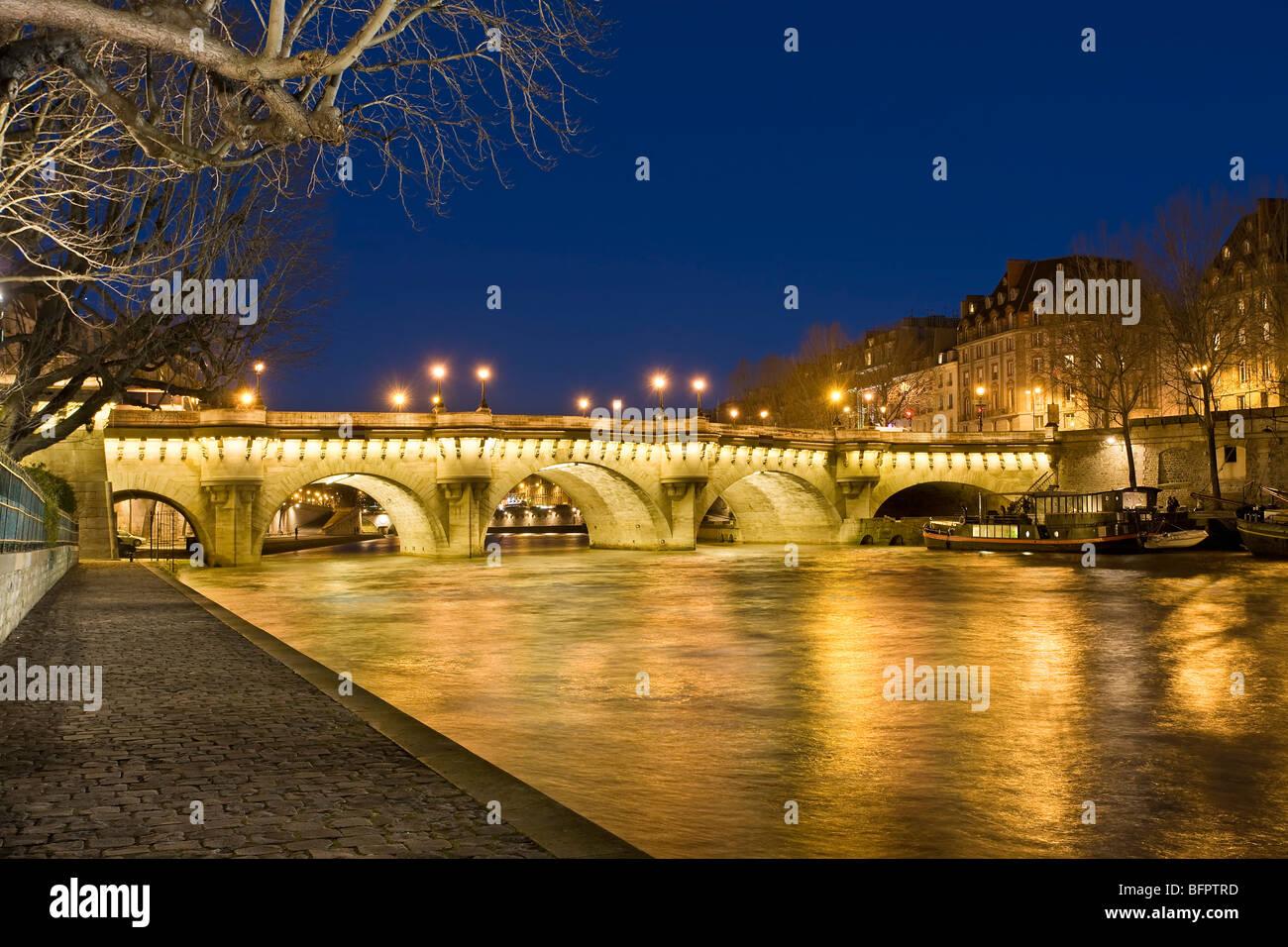 PONT NEUF AT NIGHT, PARIS - Stock Image