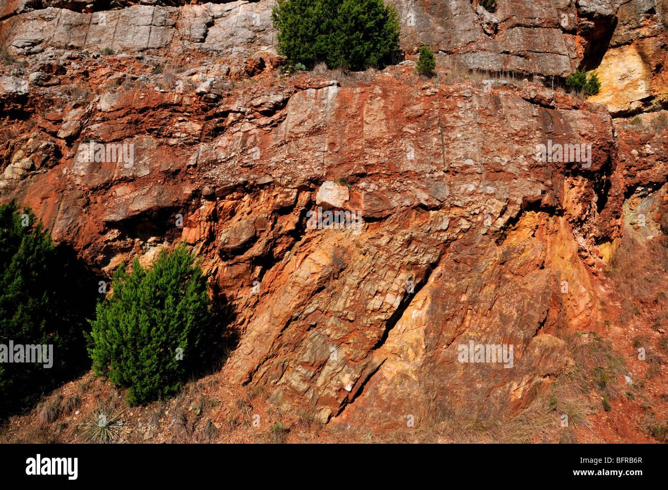 An angular unconformity. Oklahoma, USA. - Stock Image