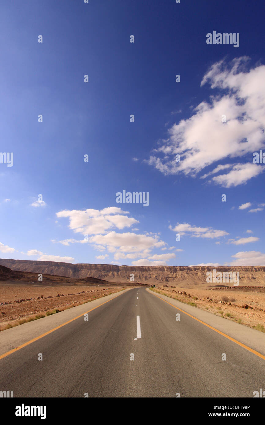 Israel, Negev, Route 40 in Ramon Crater - Stock Image