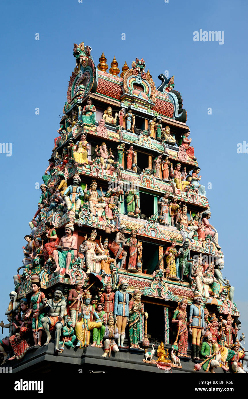 Sri Mariamman Hindu Temple (1827), Tiered Roof Tower (or Gopuram) with Hindu Deities over Front Entrance, Singapore - Stock Image