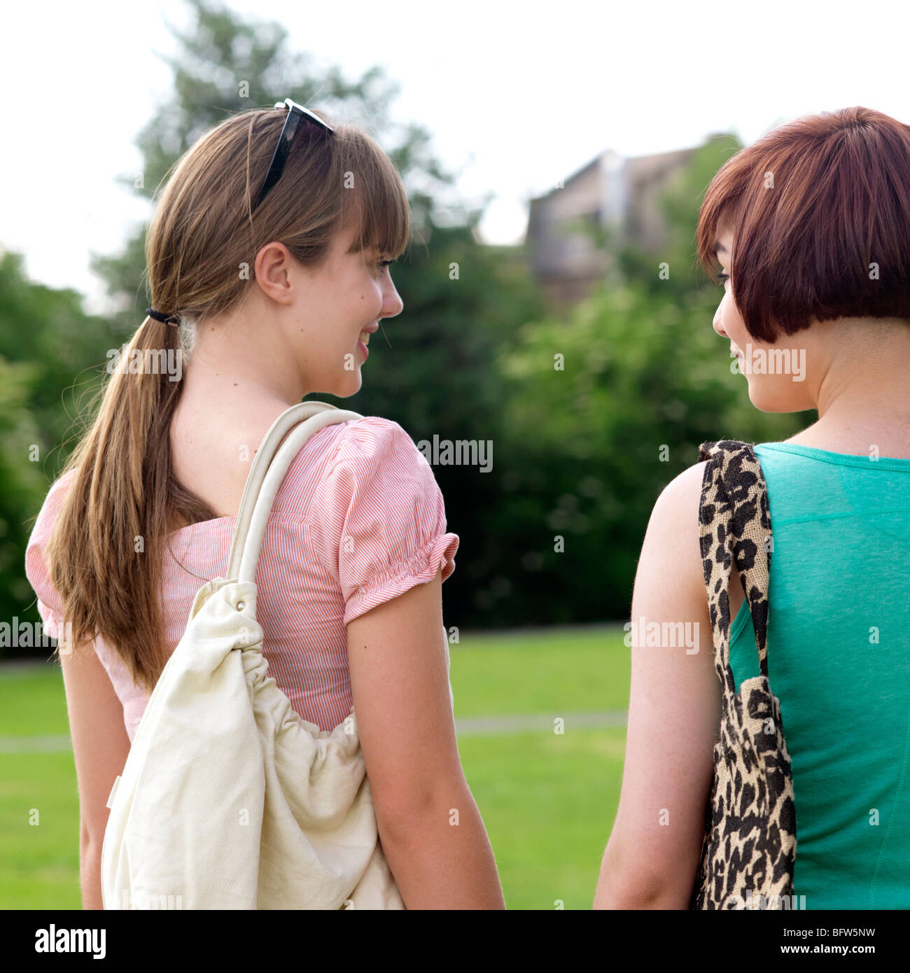 2 young women with bags - Stock Image