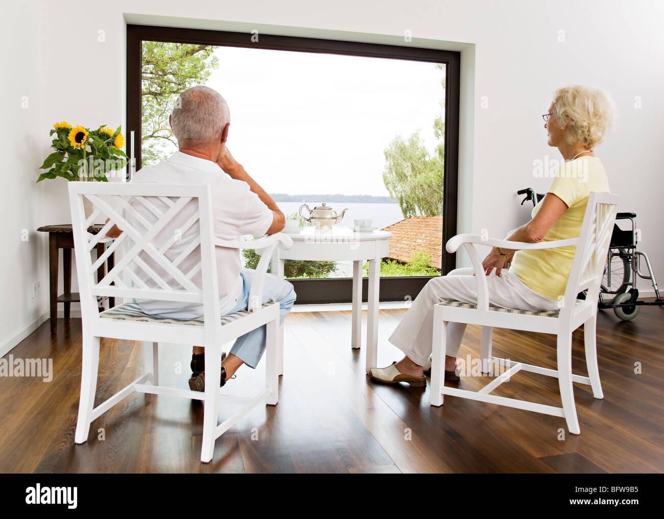 senior couple having tea - Stock Image