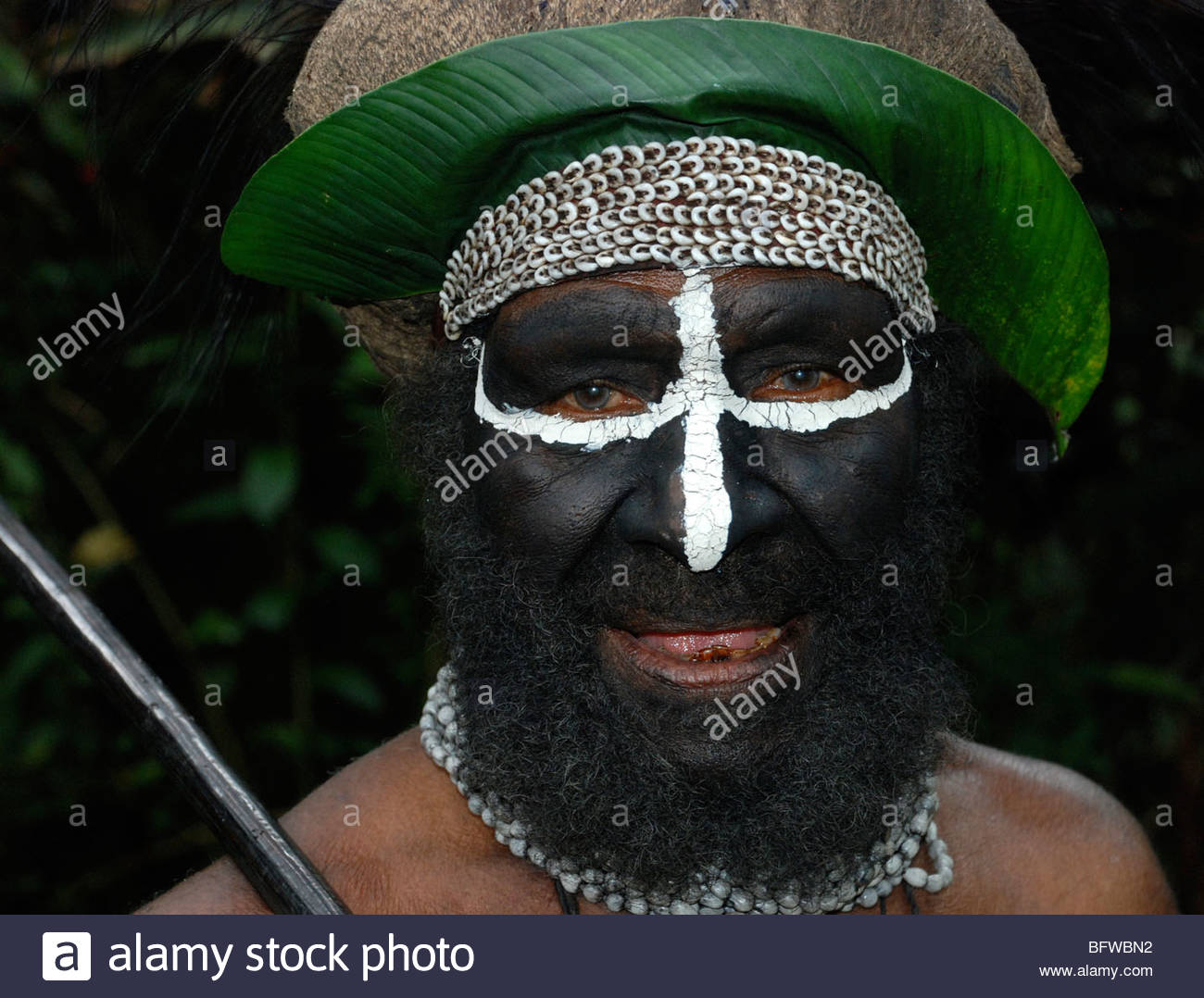 Head shot of Melpa clan village chief Western Highands, Papua New Guinea - Stock Image