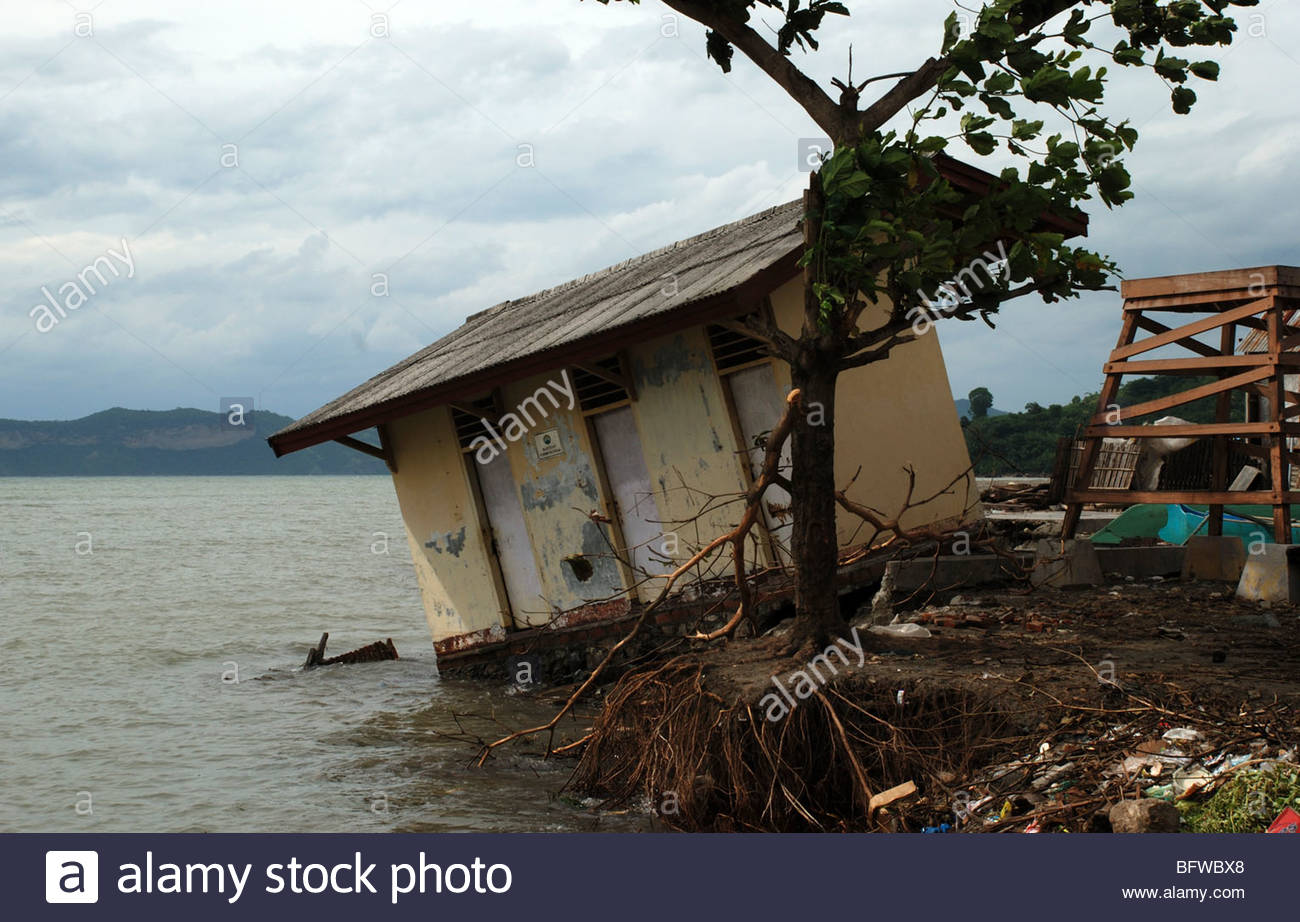 Hut tilted into sea Labuan Lalang  near Taliwang Sumbawa Barat NTB Indonesia - Stock Image