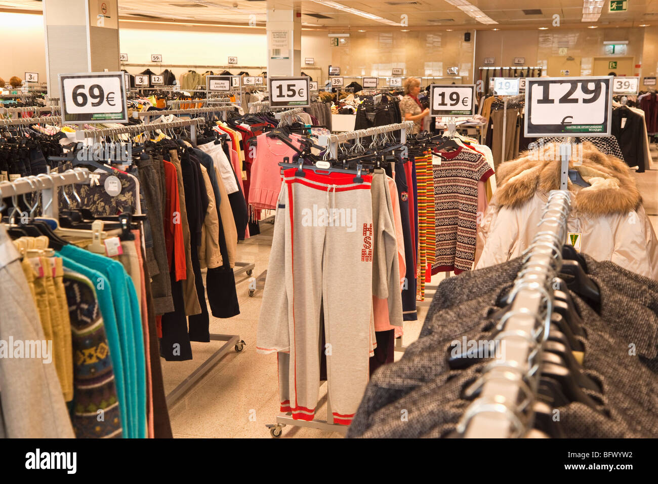 Bargain clothing for sale in SuperCor outlet of El Corte Ingles ... 94d235e7a