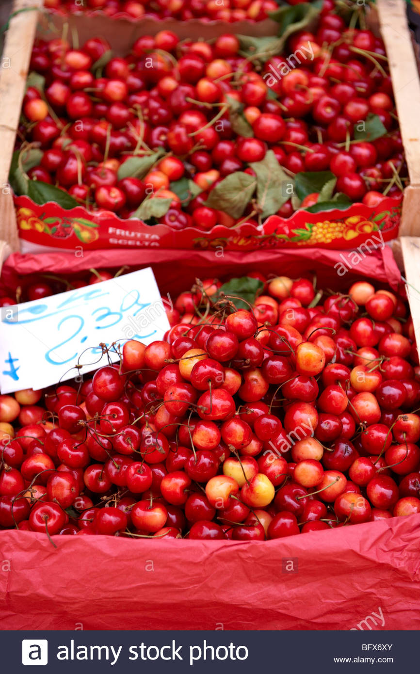 Fresh cherries, Palermo food market, Sicily - Stock Image
