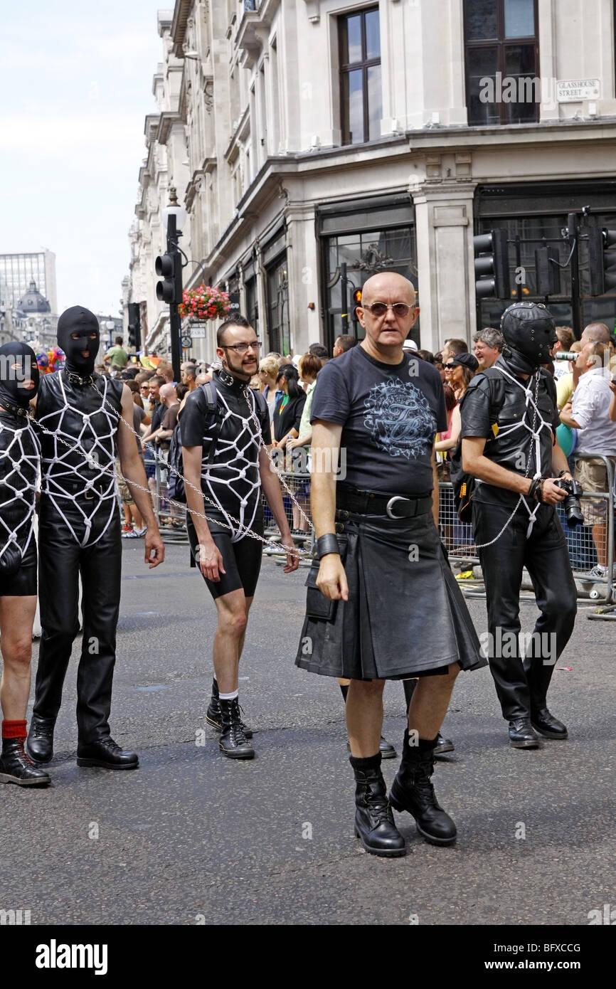 Homoseksuelle mænd i Bdsm Parading på London Pride Festival-3433