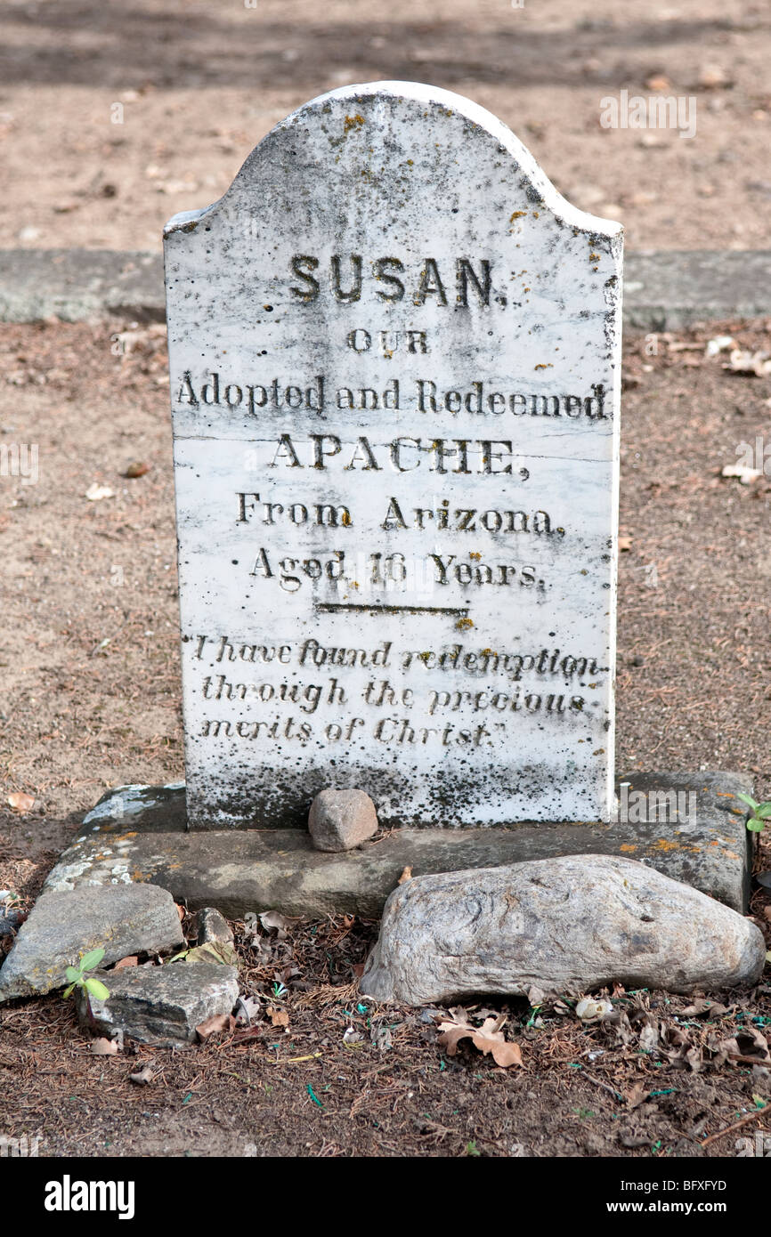 Grave Stone in Yountville California Graveyard - Stock Image