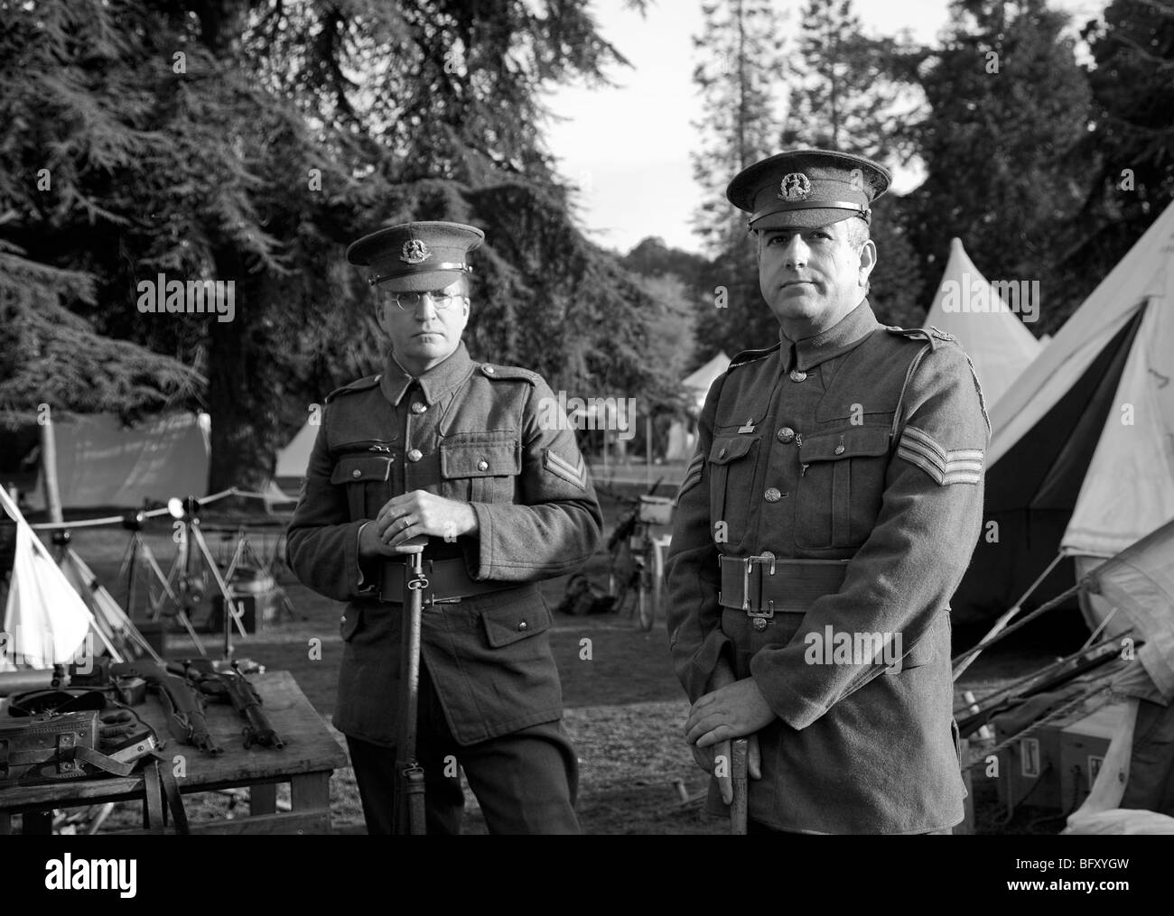 Portrayal of British army during the Great War, including authentic uniforms and field equipment from the period - Stock Image