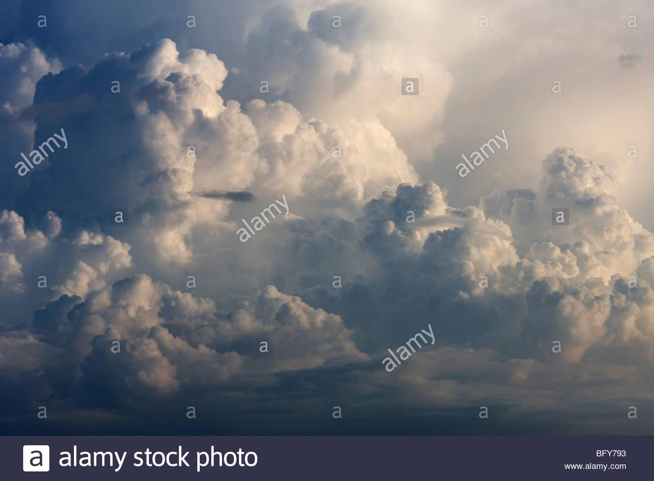 A towering cumulonimbus cloud forms over the Pacific Ocean near Sayulita, Mexico. - Stock Image