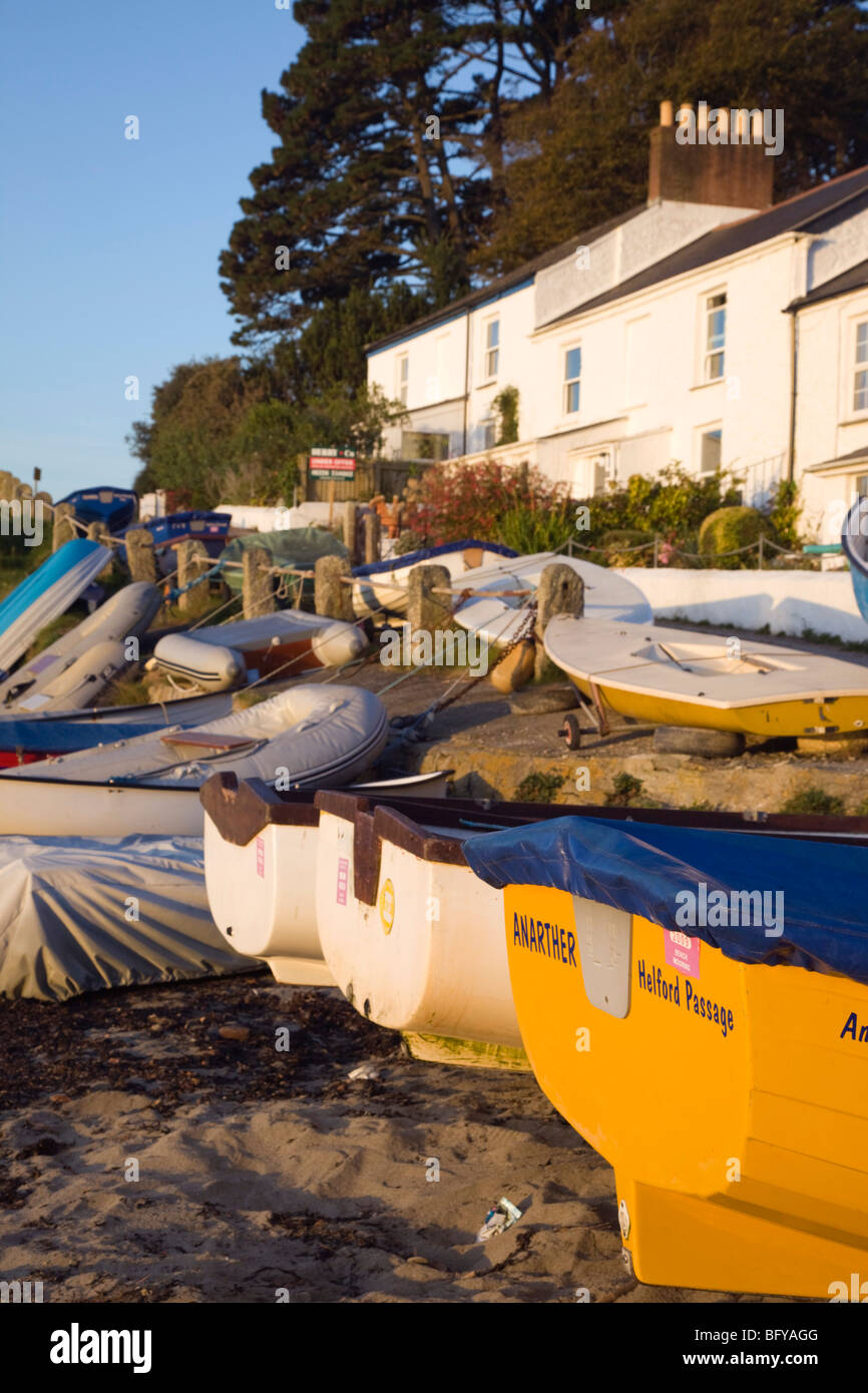 Helford Pasage; boats tied on the shore; river helford; cornwall - Stock Image