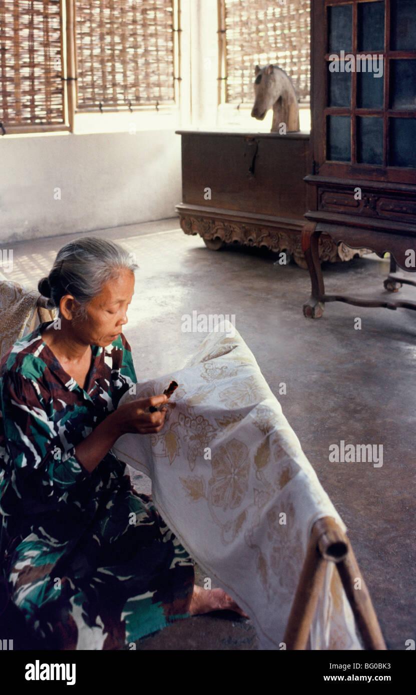 Woman preparing batik printing in Solo, Java, Indonesia, Southeast Asia, Asia - Stock Image