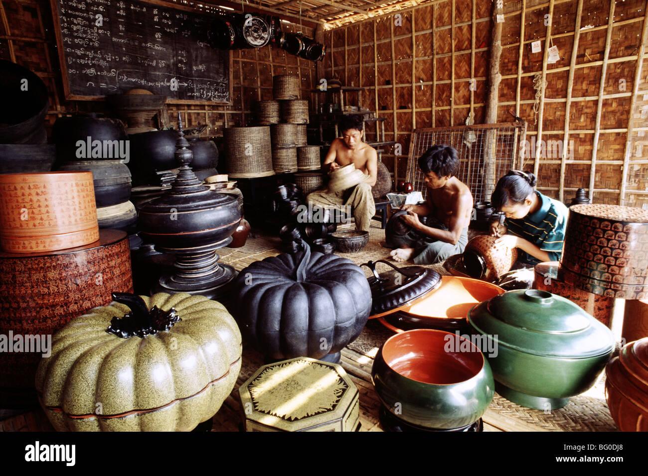 Lacquer craftsman in Bagan (Pagan), Myanmar (Burma), Asia - Stock Image