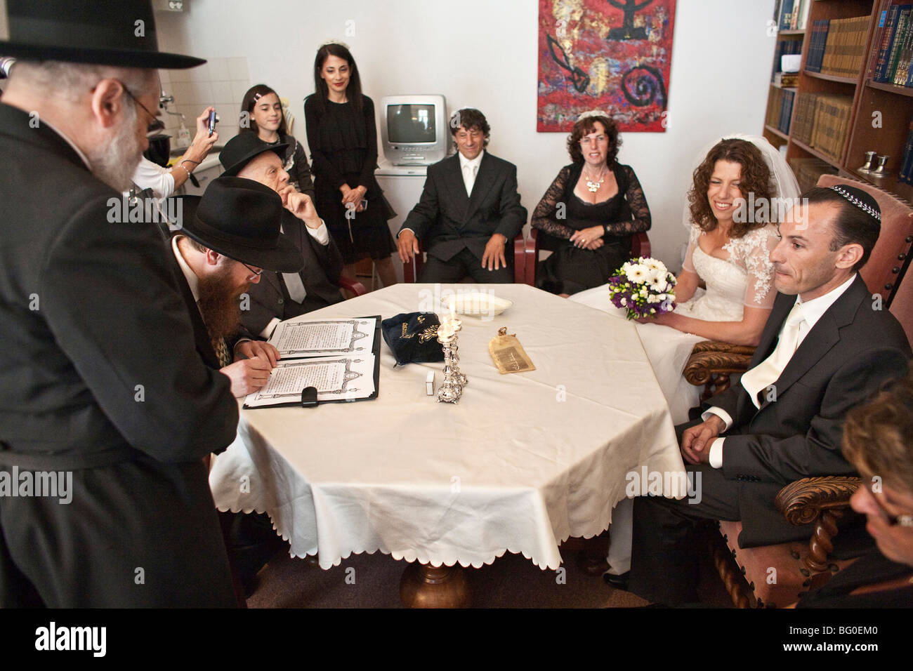 Netherlands. Groningen. Jewish wedding of Michael and Natasja Frank in the synagogue of Groningen. - Stock Image