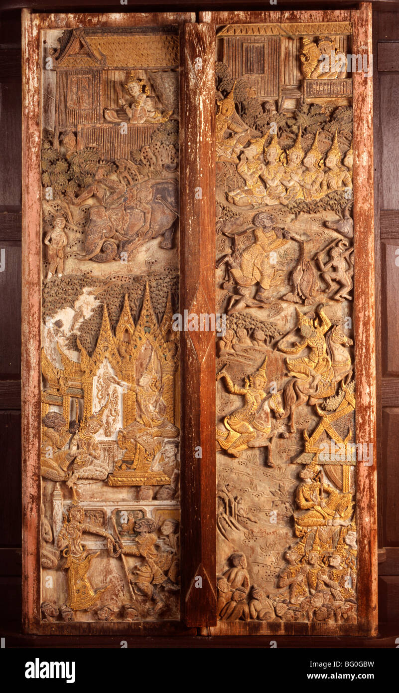Wood carving details on the door from Suan Pakkad Palace (Cabbage Garden Palace) in Bangkok Thailand Southeast Asia Asia & Wood carving details on the door from Suan Pakkad Palace (Cabbage ...