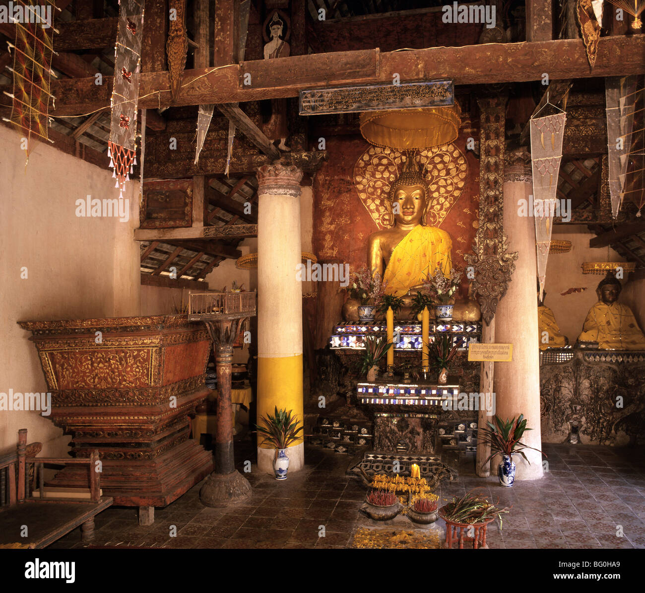 Scripture chest, Buddha statue and glass-mosaic altar at Wat Lai Hin, Lampang, Thailand, Southeast Asia, Asia - Stock Image