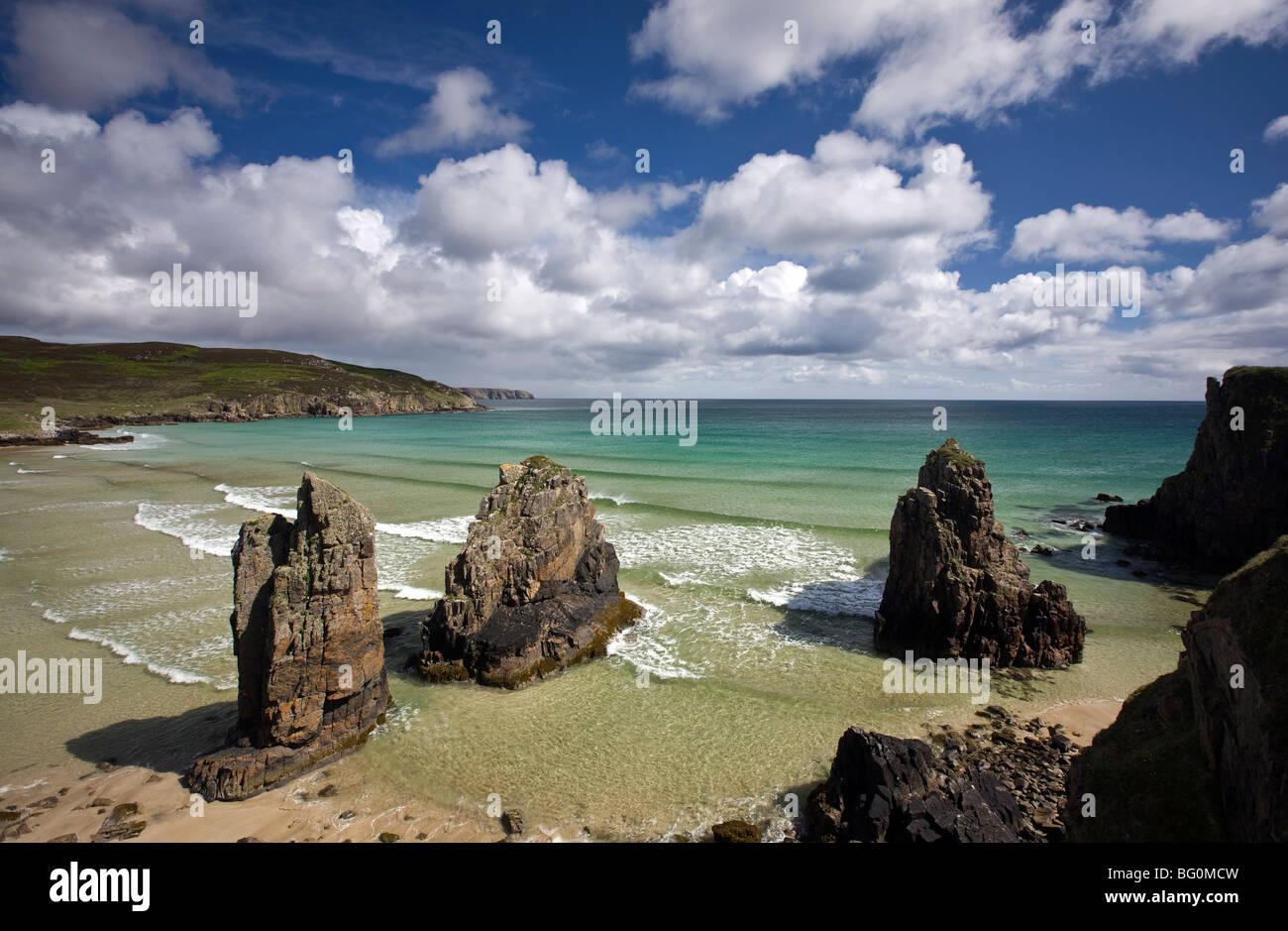 Sea stacks on Garry Beach, Tolsta, Isle of Lewis, Outer Hebrides, Scotland, United Kingdom, Europe - Stock Image