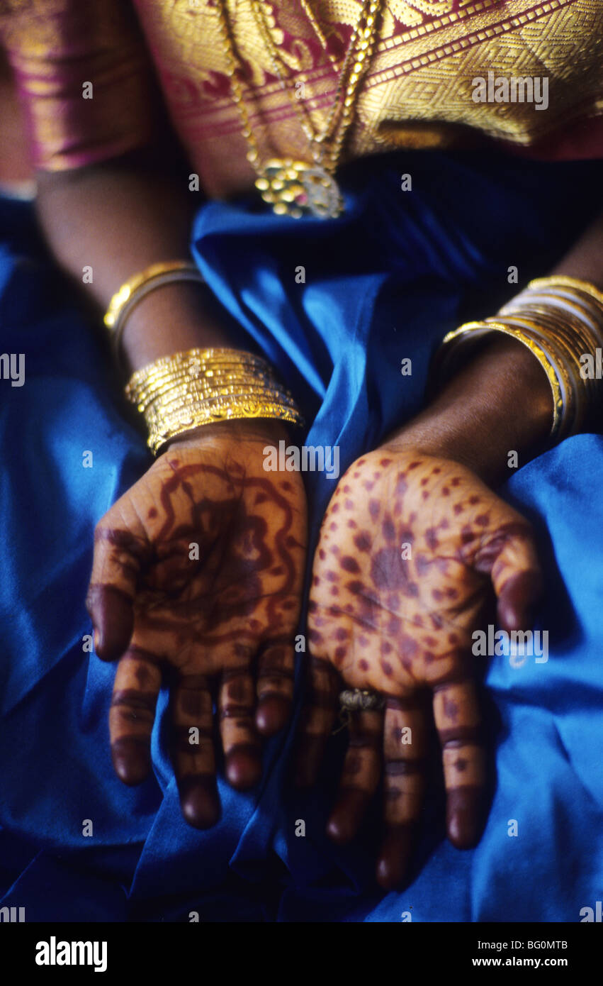 A Bride Displaying Henna Body Art On Her Hands Madurai India Stock Photo Alamy
