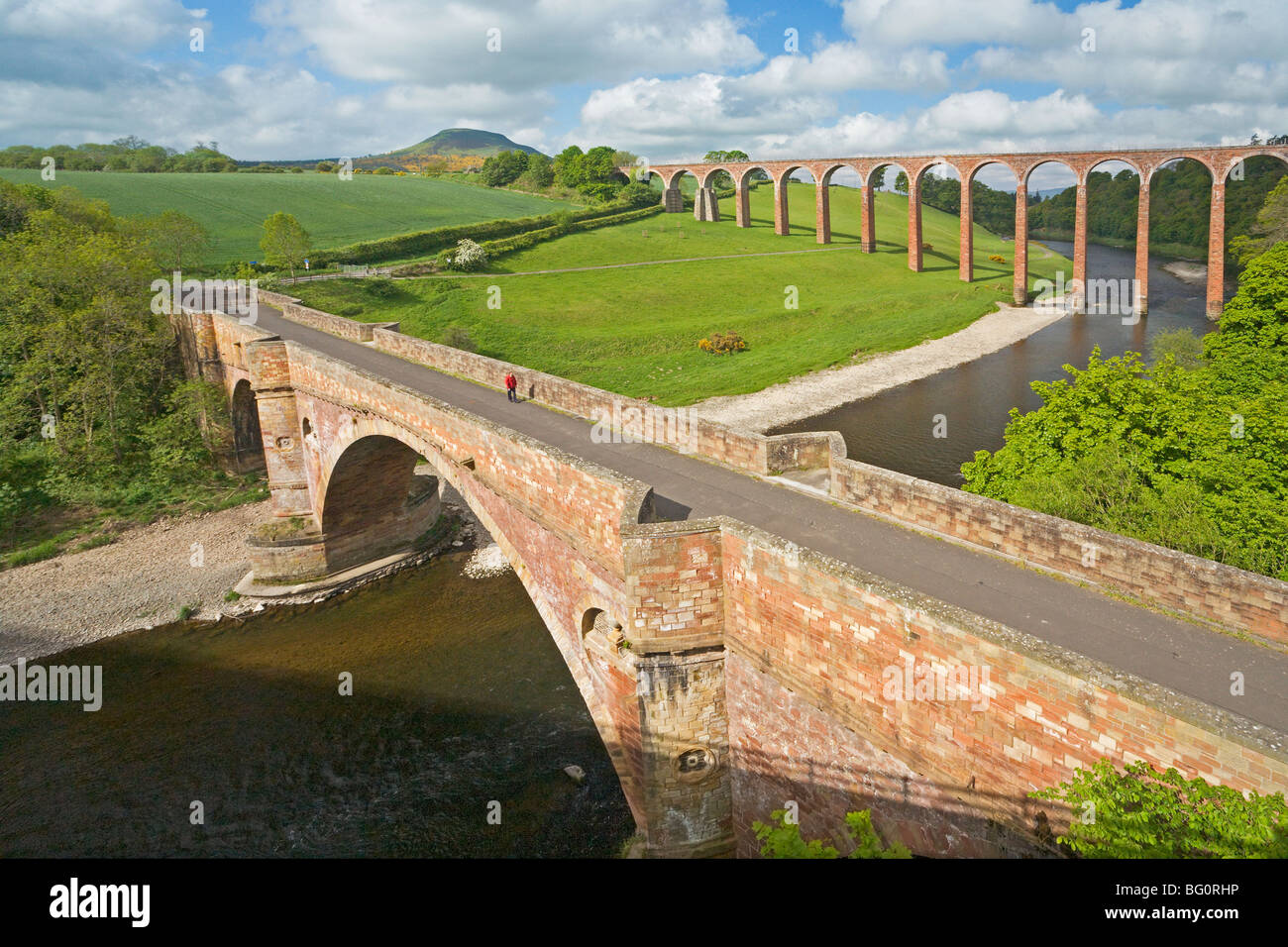 Leaderfoot Viaduct and Drygrange Bridge near Melrose - Stock Image