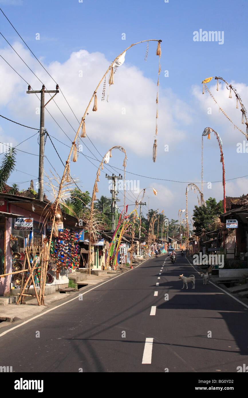 Road through Tegallalang Village, near Ubud, Bali, Indonesia. Also called Handicraft Highway because of the many - Stock Image