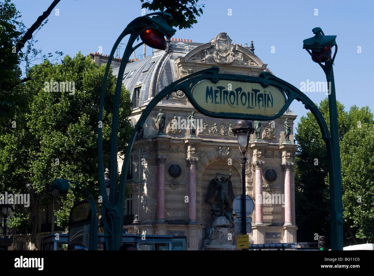 Boulevard st michel stock photos boulevard st michel - Metro saint michel paris ...