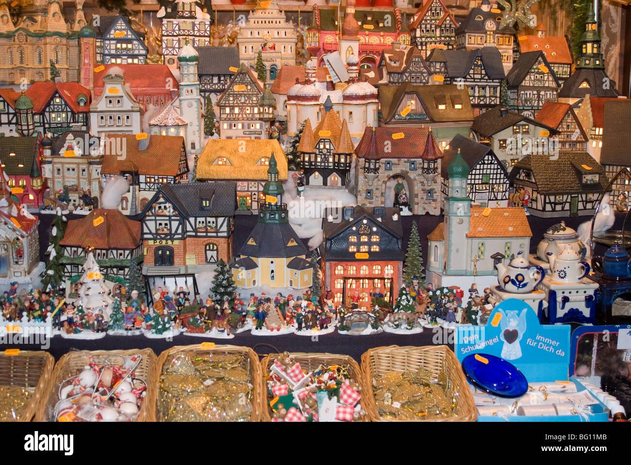 Ceramic houses, Weihnachtsmarkt (Children's Christmas Market), Nuremberg, Bavaria, Germany, Europe - Stock Image
