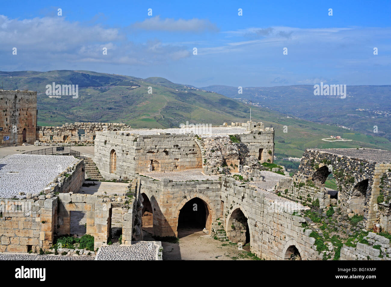 Crusaiders castle Krak des Chevaliers (Castle of the Knights), Qalaat al Hosn, (1140-1260), Syria - Stock Image