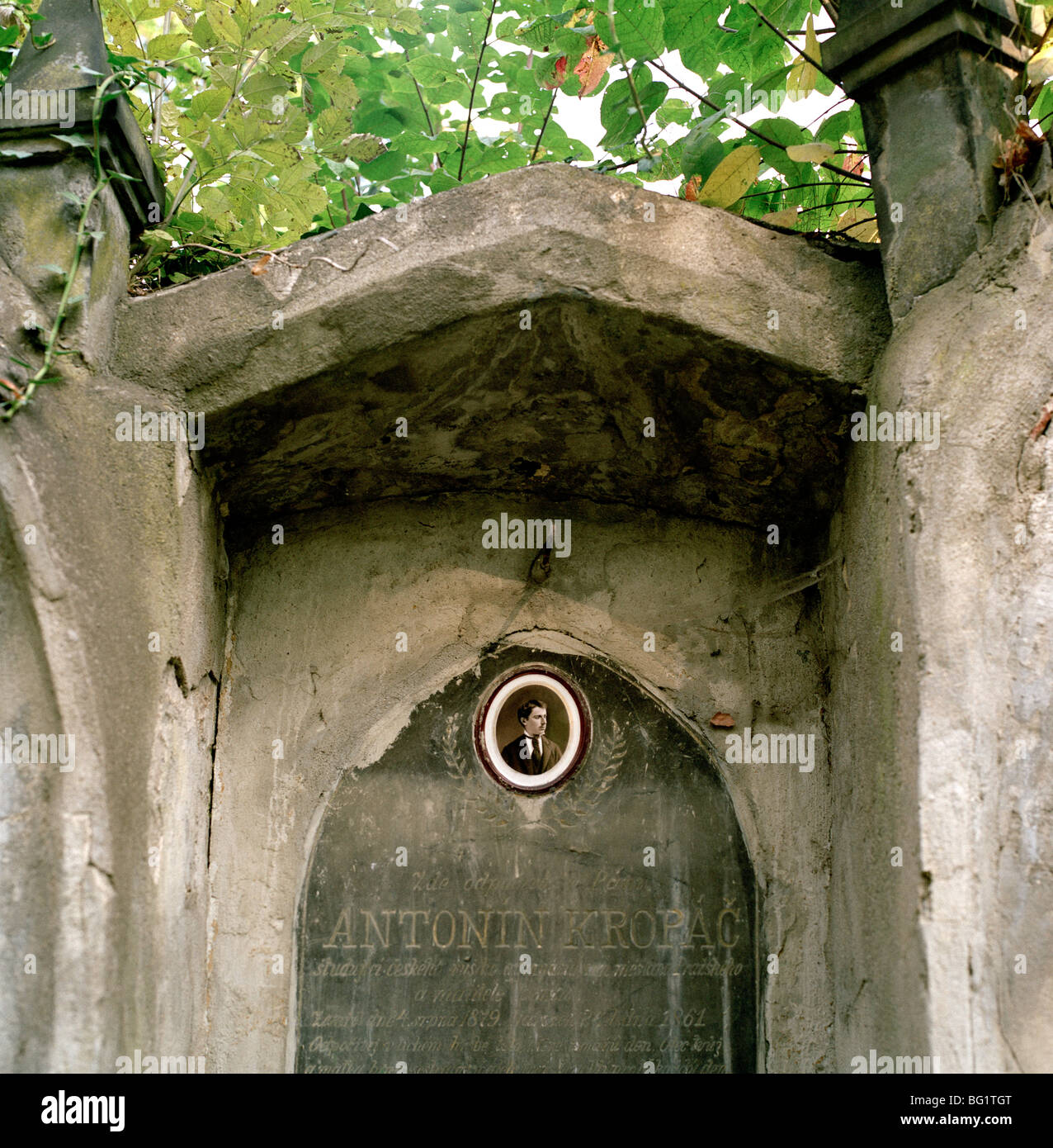 World Travel. Olsany Olsanske Cemetery in the ancient city of Prague Praha in the Czech Republic in Eastern Europe. - Stock Image