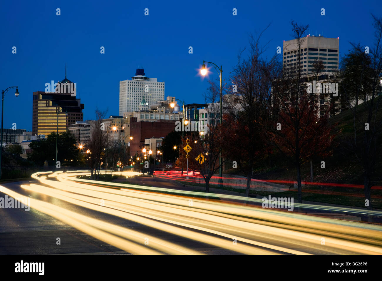 Traffic in downtown Memphis - Stock Image