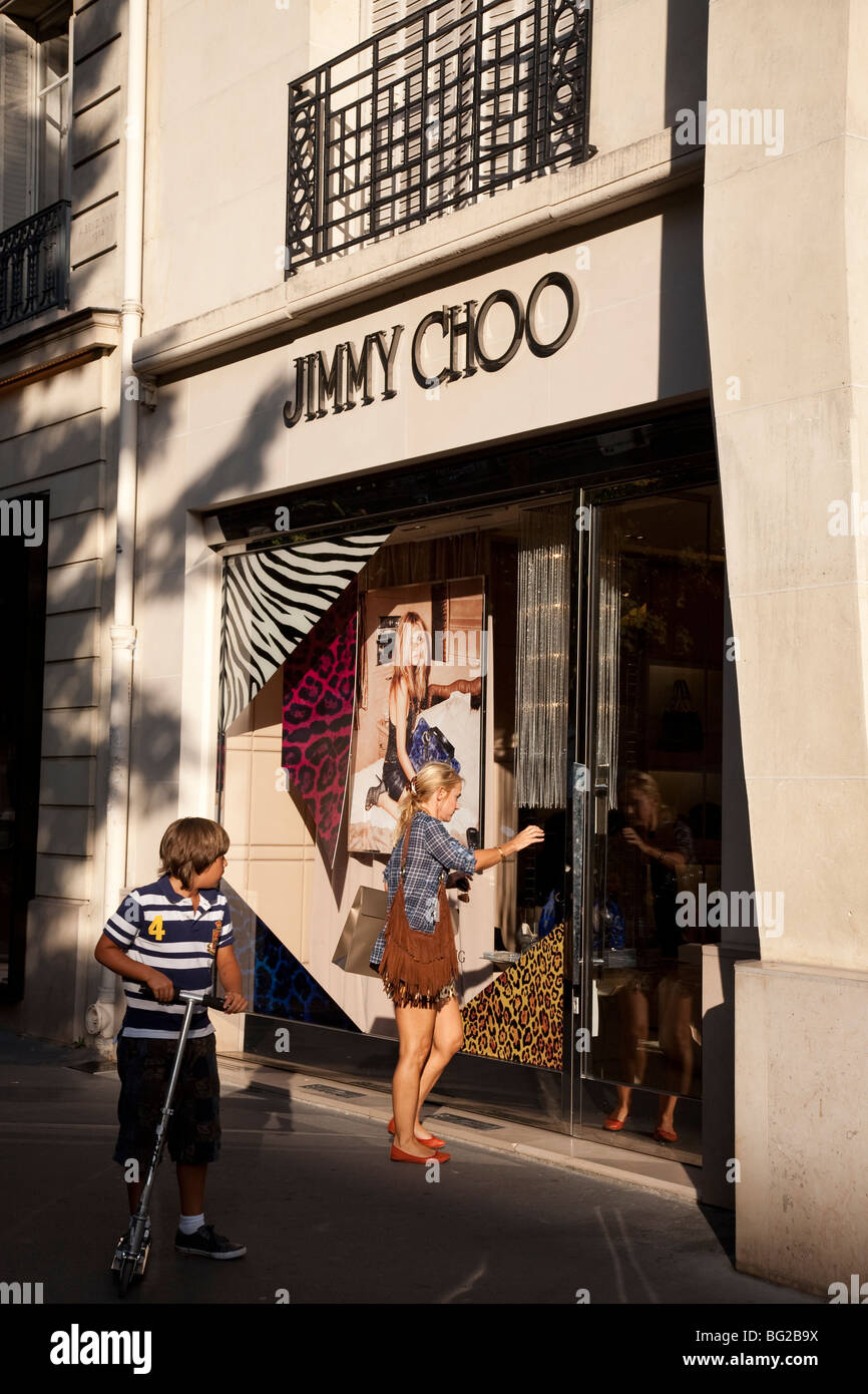 679ff7b3462 Jimmy Choo Shop in Paris