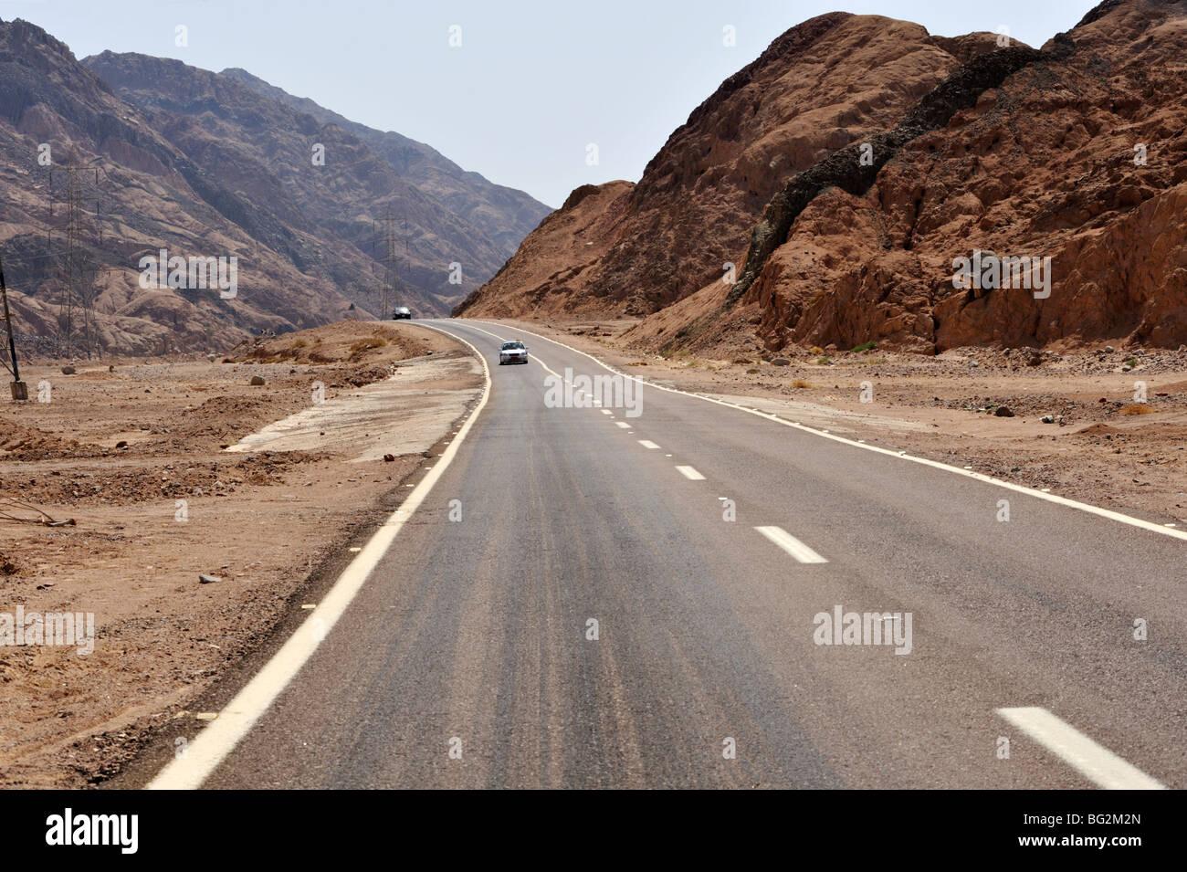 Road between Dahab and Nuweiba, Sinai Peninsula, Egypt - Stock Image