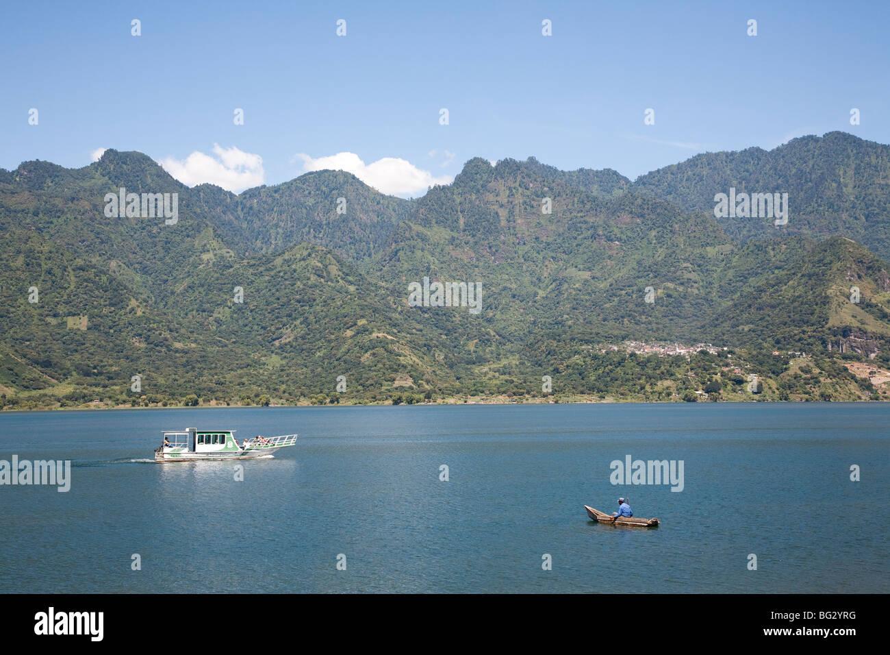 Boatstour on Lake Atitlan Guatemala. - Stock Image