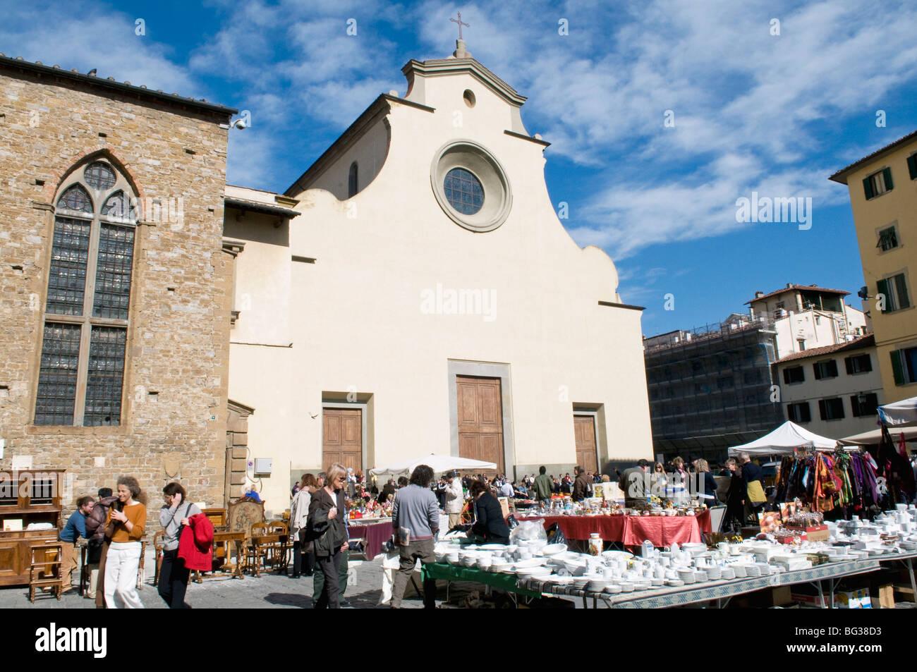 Antiquarian fair, Piazza Santo Spirito, Chiesa di Santo Spirito, Florence (Firenze), UNESCO World Heritage Site, - Stock Image