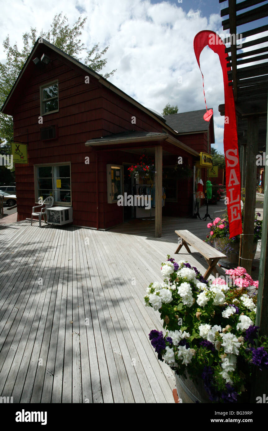 Photograph of  a retail shop in Gilman Village, Issaquah, WA - Stock Image