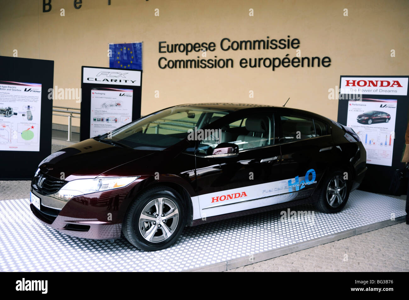 Honda FCX Clarity, Fuel Cell Vehicle,Hydrogen Motor, Zero Emission, Electric  Car