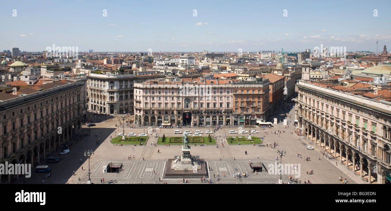 Piazza del Duomo (Cathedral Square), Milan, Lombardy, Italy, Europe - Stock Image