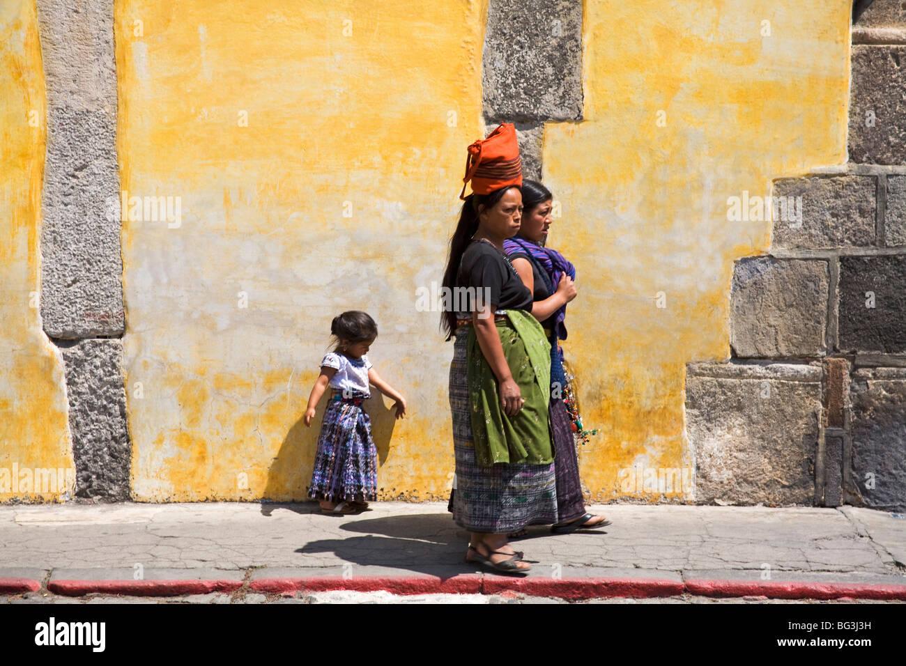 Street vendors, Antigua City, Guatemala, Central America - Stock Image
