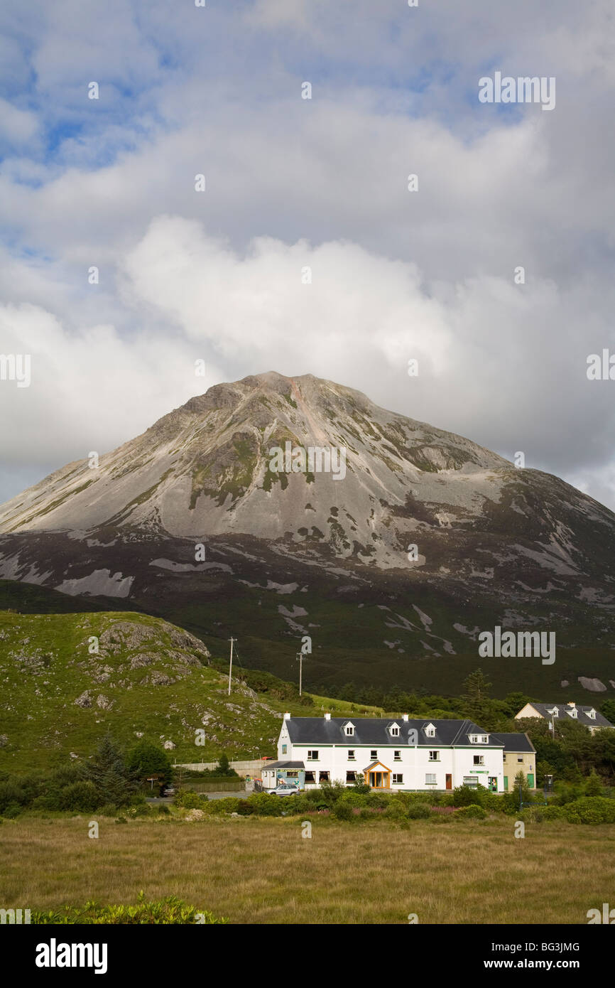 Mount Errigal and Dunlewy village, County Donegal, Ulster, Republic of Ireland, Europe - Stock Image