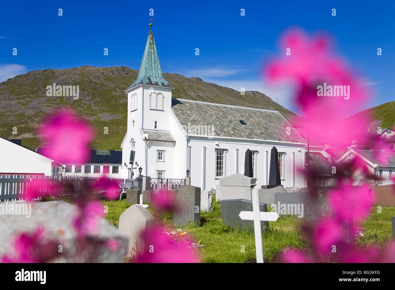 Honningsvag church and graveyard, Honningsvag Port, Mageroya Island, Finnmark Region, Arctic Ocean, Norway, Scandinavia, - Stock Image
