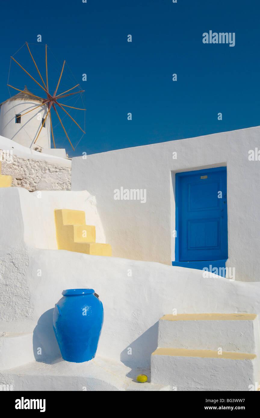 Windmill in Oia, Santorini, Cyclades, Greek Islands, Greece, Europe - Stock Image