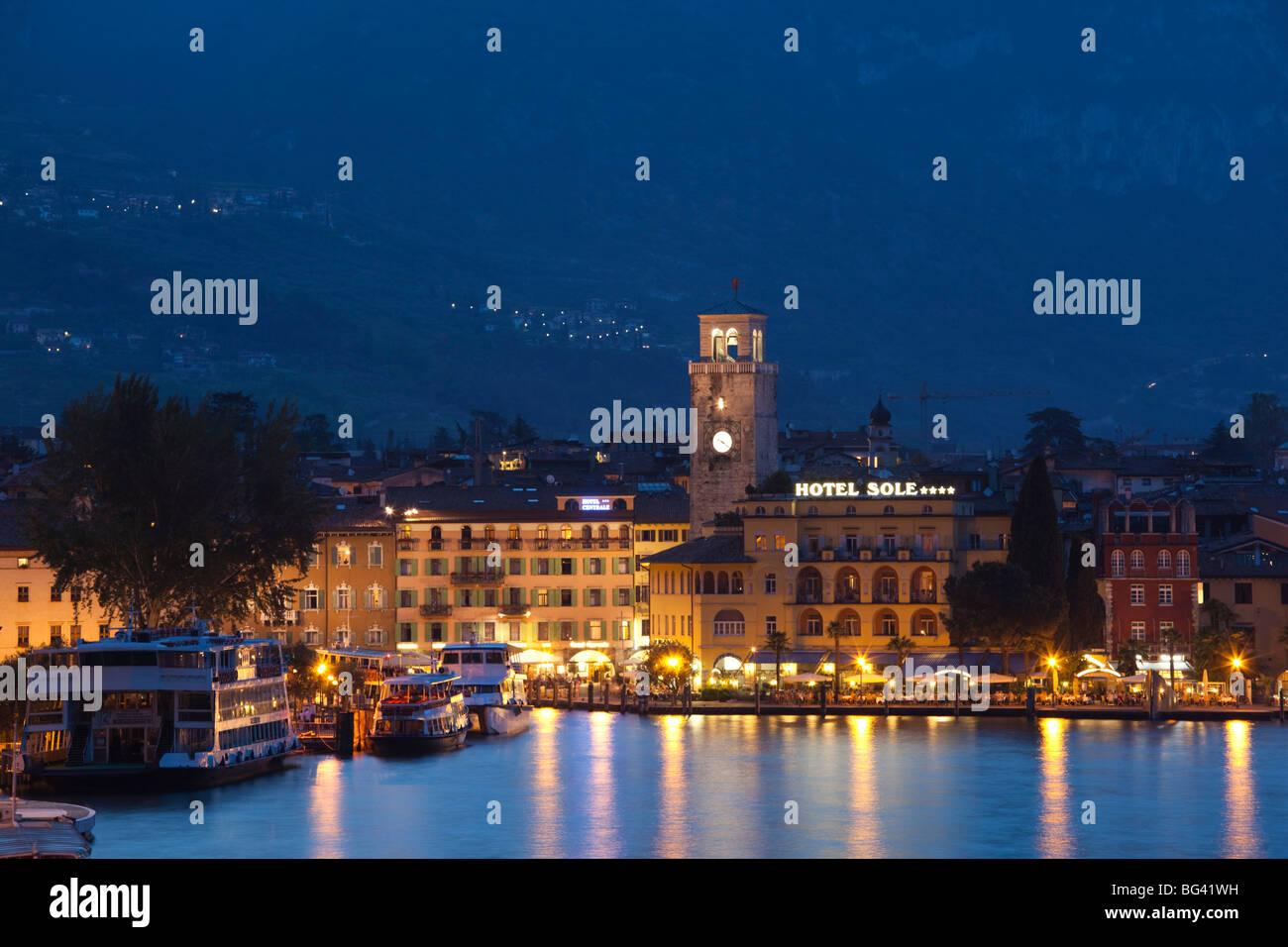 Italy, Trentino-Alto Adige, Lake District, Lake Garda, Riva del Garda, town view with Torre Apponale, 13th century - Stock Image
