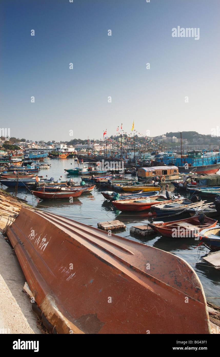 Boats in Cheung Chau Bay, Cheung Chau, Hong Kong, China, Asia - Stock Image