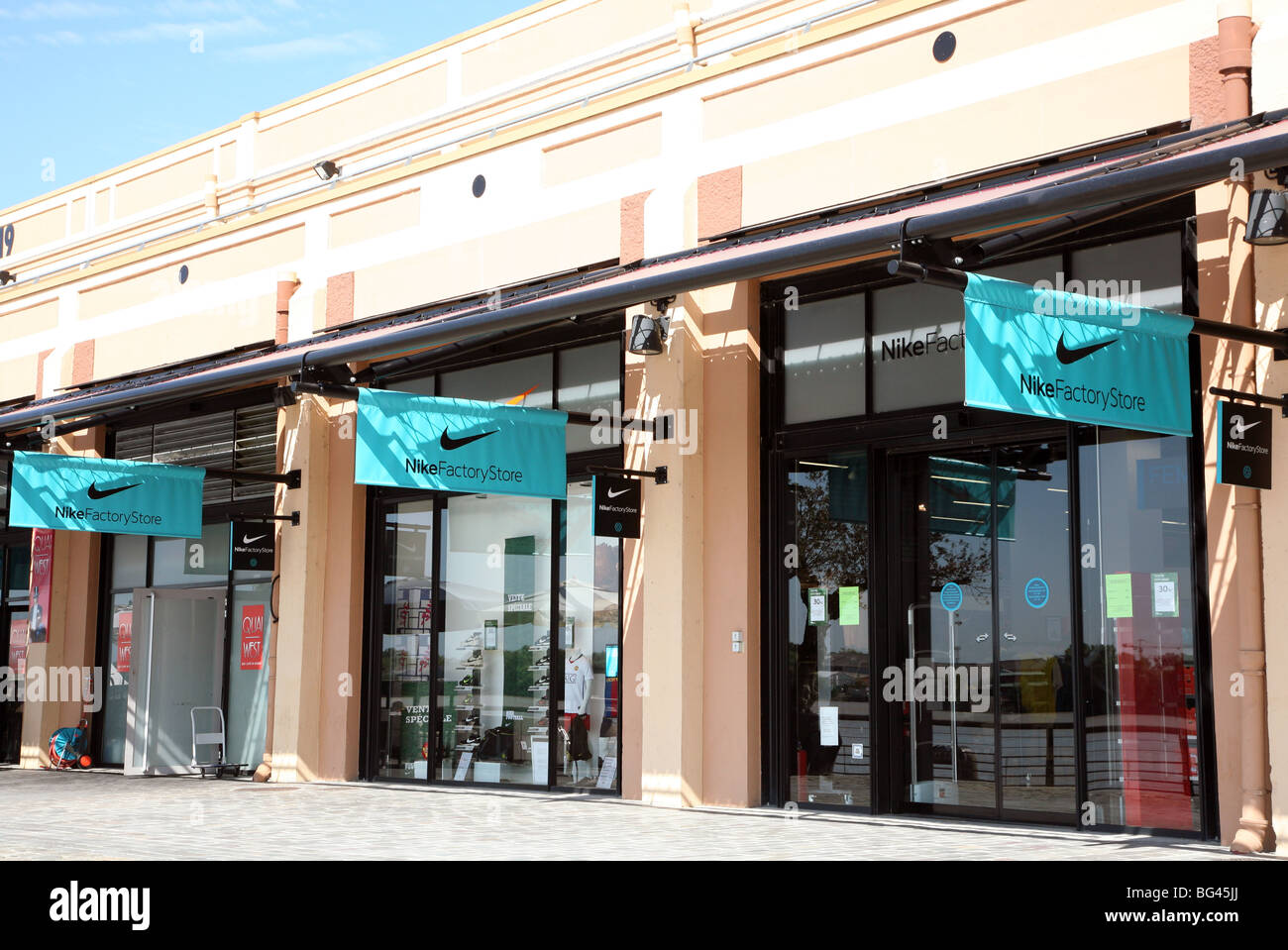 4b29f7b8f3 Nike Shop Window Stock Photos & Nike Shop Window Stock Images - Alamy