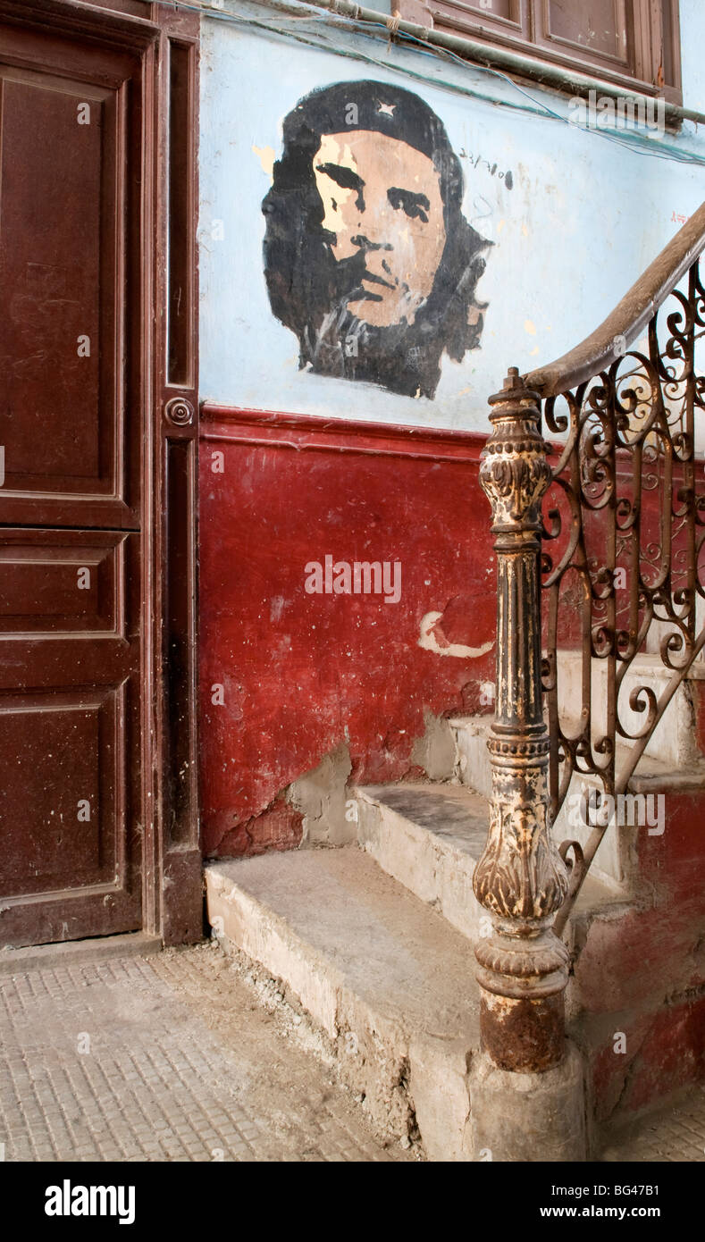 Che Guevara mural in the old building/ entrance to La Guarida restaurant, Havana, Cuba, Caribbean - Stock Image