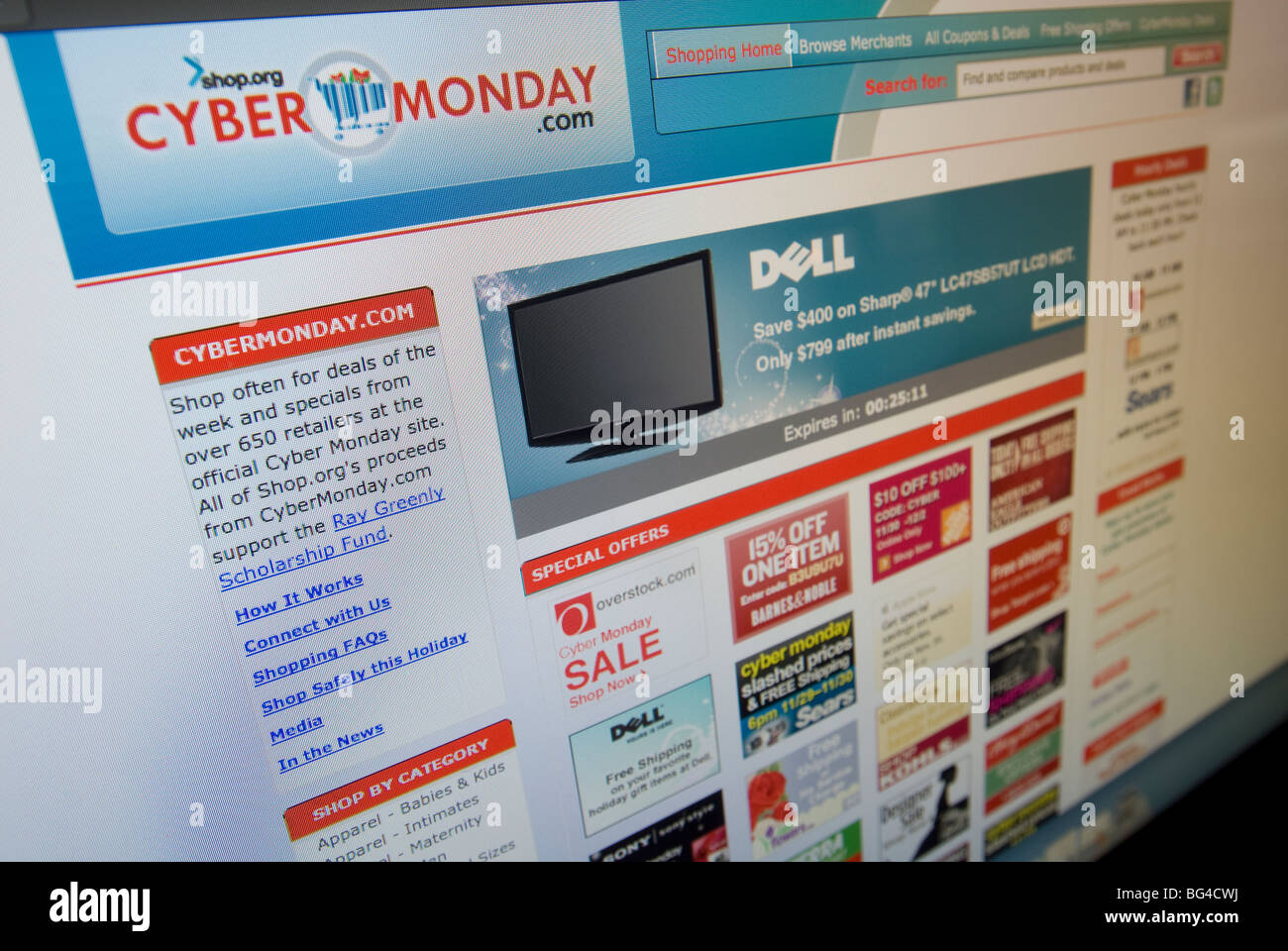 The Cybermonday.com website features their Cyber Monday sales from multiple retailers Stock Photo