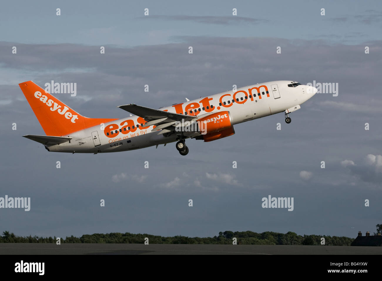 A Boeing B737 series 700 of the UK's budget airline EasyJet on departure from Luton Airport Stock Photo